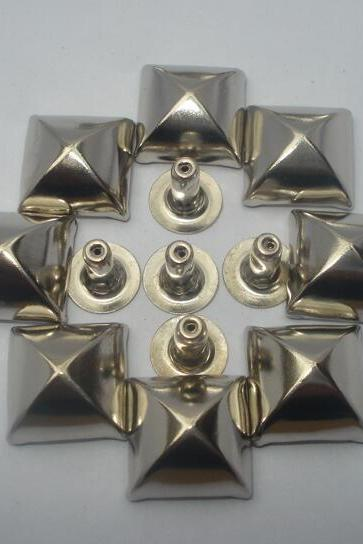 20pcs 12mm silver colour pyramid studs free shipping to worldwide usa,france,sweden,uk