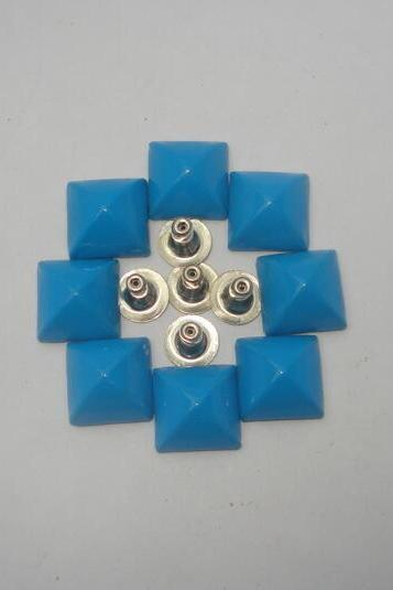 20pcs 12mm blue colour pyramid studs free shipping to worldwide usa,france,sweden,uk
